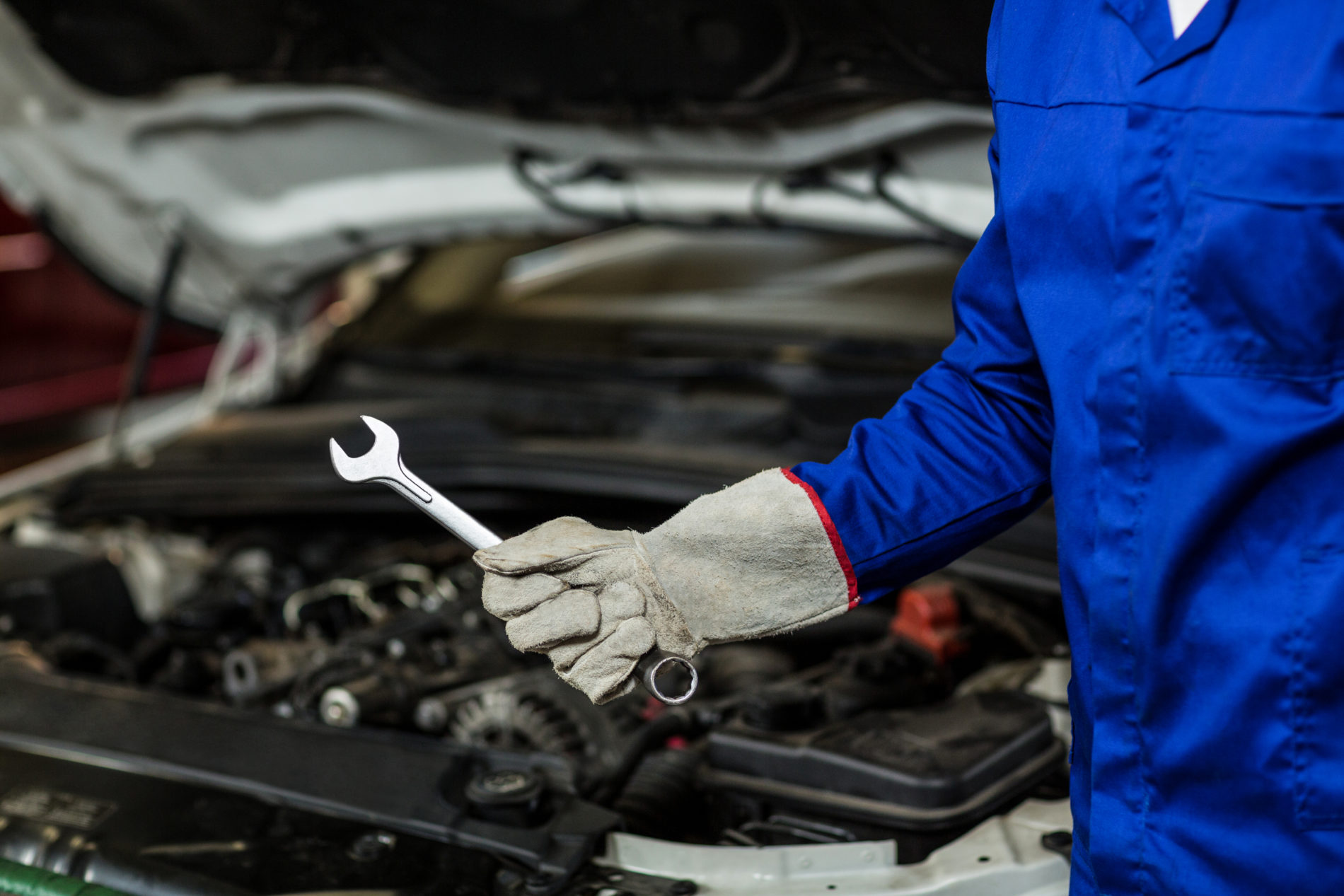 Cebausa estrena taller mecánico de camiones