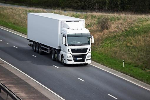 ¿Qué debes tener en cuenta para la revisión o mantenimiento de tu camión?